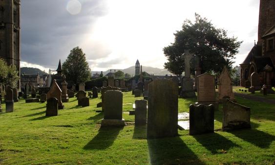 鬼巫術涉及巫婆和死者靈魂之間的相互作用。