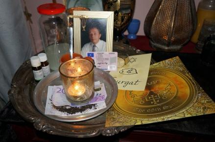 Nekromantisk magi är mycket kraftfull och den kan hjälpa dig att få ett banklån.
