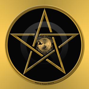 Этот символ называется пентаграммой Соломона и имеет власть над демонами.
