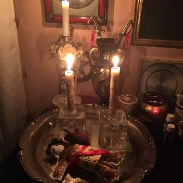 Detta är en pakt ritual med demonerna Lucifer, Lucifuge Rofocale och Mephistophilis. Häxkonst och magi.
