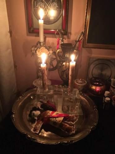 Detta är en pakt ritual med demonerna Lucifer, Lucifuge Rofocale och Mephistophilis.