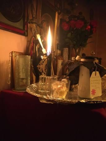 這是組裝好的保護瓶。注意蠟燭的燃燒程度!